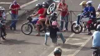getlinkyoutube.com-AUTO GIRO Manobras Motos Freestyle Wheeling Empinando Grau Autodromo De Campo Grande Ms