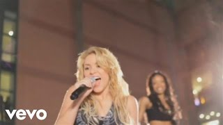 Shakira Gets Loca In Parking Lot