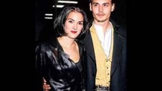 getlinkyoutube.com-Las chicas de Johnny Depp en el juego del amor