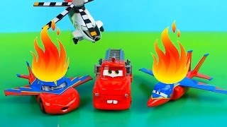 getlinkyoutube.com-Disney Pixar Cars Recue Squad Mater Saves Lightning McQueen on fire after planes accident