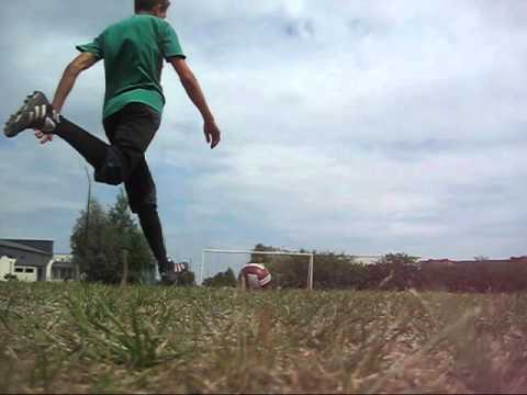 Soccer : Learning spin kick