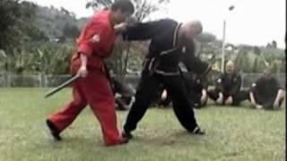 getlinkyoutube.com-Técnicas de Defensa Con Bastón