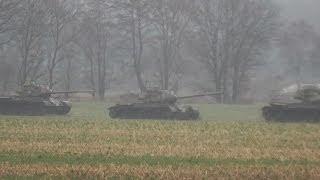 getlinkyoutube.com-24 Panzer auf der Wiese in Niedersachen - Google Earth mit GPS