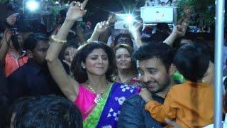 getlinkyoutube.com-Shilpa Shetty Dancing Crazily At Ganpati Visarjan 2015