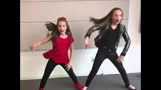 getlinkyoutube.com-Maddie & Mackenzie Ziegler Hit That NaeNae !