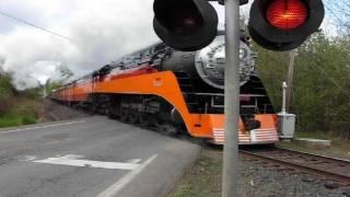 getlinkyoutube.com-(#1 most viewed train) SP 4449 crossing at  Roberts, Oregon