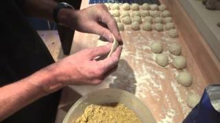 getlinkyoutube.com-Making Trinidad Dhalpuri Roti
