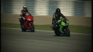 getlinkyoutube.com-Kawasaki ZX 10R vs. Honda Fireblade Motorvision macht den Su