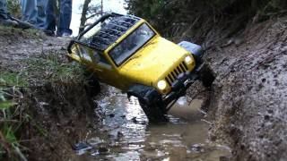 getlinkyoutube.com-Jeep rc 4x4 scaler - canalone 1