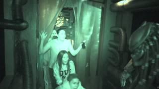 getlinkyoutube.com-AVP: Alien vs  Predator : Night Vision - Halloween Horror Nights 2014 Universal Studios