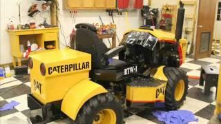 getlinkyoutube.com-Mini Caterpillar 4 wd articulating tractor