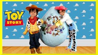 getlinkyoutube.com-GIANT EGG SURPRISE OPENING Disney Toy Story Toys Kids Video Super Giant Surprise Egg Biggest Egg