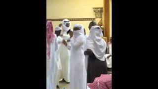 getlinkyoutube.com-بنت ترقص في زواج عند قسم الرجال