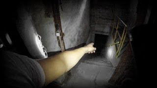 getlinkyoutube.com-SLENDER IN REAL LIFE - Exploring An Abandoned Asylum - GoPro Hero3