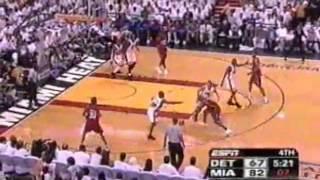 getlinkyoutube.com-Jason Williams Hits 10 Consecutive Shots, Leads Heat to Finals