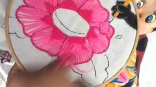 getlinkyoutube.com-164.-Bordado fantasía flores de Catarina y abeja