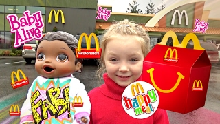 getlinkyoutube.com-BABY ALIVE gets McDONALDS! Happy Meal SURPRISE! The Lilly and Mommy Show.  The TOYTASTIC Sisters