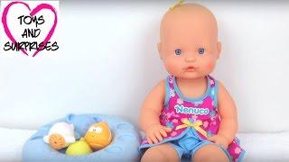 getlinkyoutube.com-Видео с куклой Пупсик игрушки для девочек купаем в ванне Nenuco Baby doll