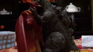 getlinkyoutube.com-Godzilla vs King Ghidorah Stop Motion