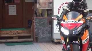 getlinkyoutube.com-カッコいい女性ライダー CBR1000RR  Repsol  Fireblade ファイヤーブレード 可愛い ZX-6R Ninja GSX1300R  HAYABUSA