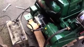 getlinkyoutube.com-Lister SR2 Diesel engine
