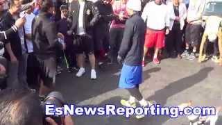 getlinkyoutube.com-Manny Pacquiao Shows His Bruce Lee Skills - EsNews