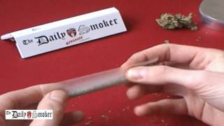 getlinkyoutube.com-Daily Smoker - roll a joint - Classic