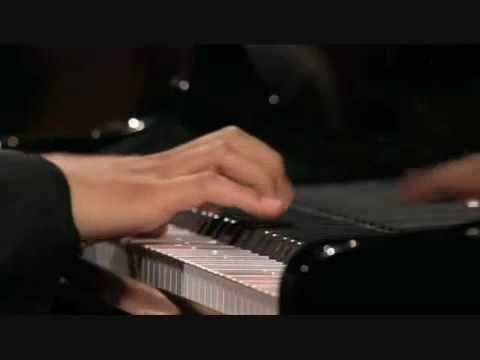 Lang Lang plays Mozart Sonata in B flat Major, K.333, 1st Movement.