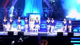 getlinkyoutube.com-Filmfare south 2012 tamanna perfomance