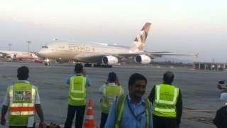 getlinkyoutube.com-Etihad's first  A380 arrival at mumbai airport.
