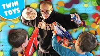 getlinkyoutube.com-Nerf War:  Food Fight 2