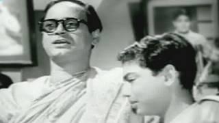 getlinkyoutube.com-Hum Laye Hain Toofan Se Kashti Nikal Ke - Mohammed Rafi, Jagriti Song