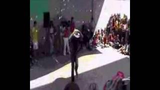 getlinkyoutube.com-Roberto bailando en SED Maristas Cartagena