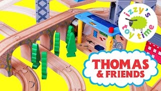 getlinkyoutube.com-Thomas and Friends Wooden Play Table | Thomas Train Tenders | Fun Toy Trains for Kids and Family