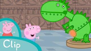 getlinkyoutube.com-Peppa Pig - George visits the dinosaur museum (clip)