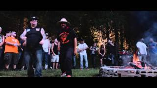 getlinkyoutube.com-Moonshine Bandits - Outback (Extended Remix) (Official Music Video)