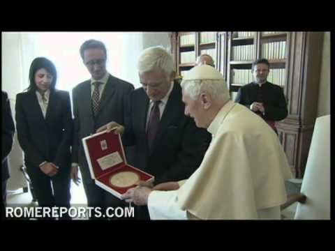 Benedicto XVI recibe a Jerzy Buzek Presidente del Parlamento Europeo