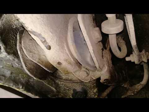 Износ сайлентблоков задней балки.Passat B3/Damaged rear boom silent blocks