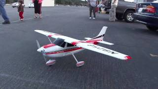 getlinkyoutube.com-Cessna 182 RC Plane Crash
