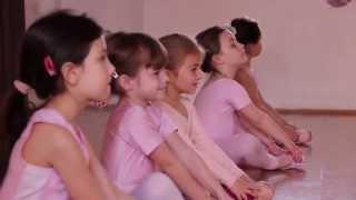 getlinkyoutube.com-Clases de Ballet para Niñas