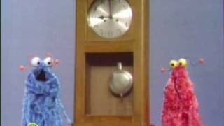getlinkyoutube.com-Sesame Street: Martians Meet A Clock