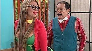 getlinkyoutube.com-A Que Te Ríes - Navarrete impactado al ver a Sabrina como la Chilindrina