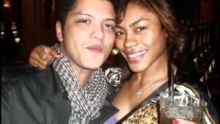 getlinkyoutube.com-Bruno and his girlfriend