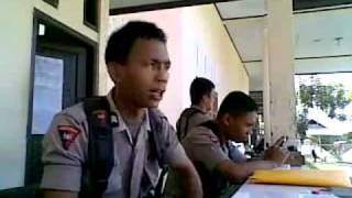 getlinkyoutube.com-Indonesian Police singing Hindi Song, LOL.wmv