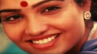 getlinkyoutube.com-Malayalam movie Aadhi Thaalam | Nalini starts her romantic cooking