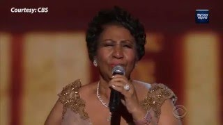 getlinkyoutube.com-Watch Aretha Franklin Make President Obama Emotional