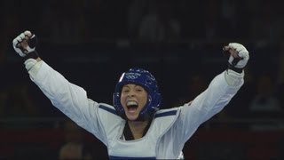 getlinkyoutube.com-Jade Jones (GBR) Wins Taekwondo -67kg Gold v Hou Yuzhuo (CHN) - London 2012 Olympics