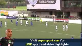 getlinkyoutube.com-شاهد  فريق يسجل هدف والفريق الأخر يحتفل بهدفه في نفس الوقت