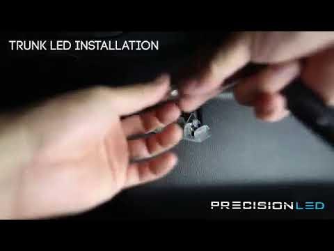 Замена лампы в багажном отделении Mazda CX-5