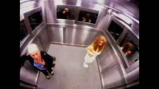 getlinkyoutube.com-Blague du fantôme dans l'ascenseur - Caméra cachée